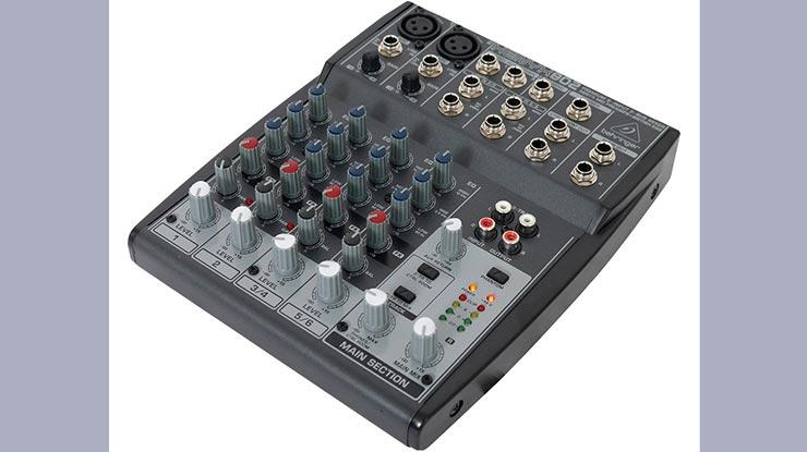 Mixer Behringer Xenyx 802