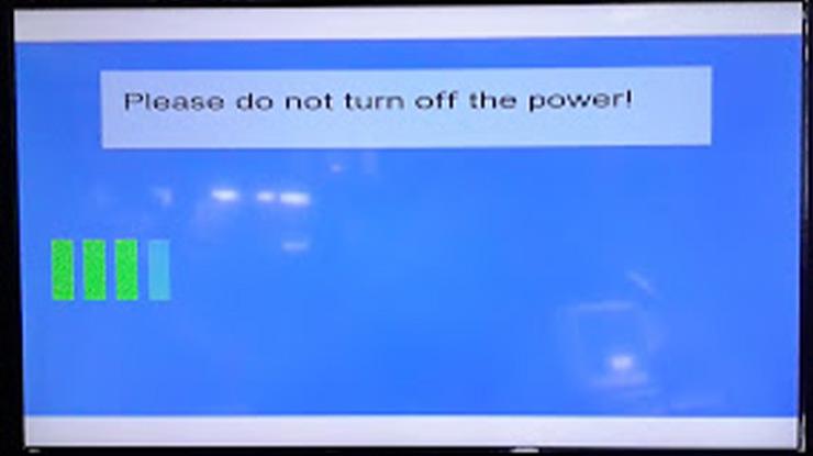Jika pada layar TV sudah menunjukan proses reset atau install firmware lepaskan tombol power yang tadi ditekan. Tunggu beberapa saat hingga proses reset selesai. 1