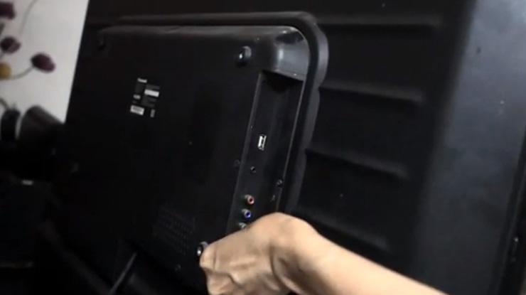 Hubungkan Apple TV ke televisi melalui koneksi HDMI