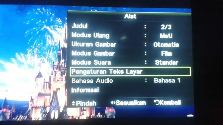 putar film di TV dan lakukan beberapa konfigurasi