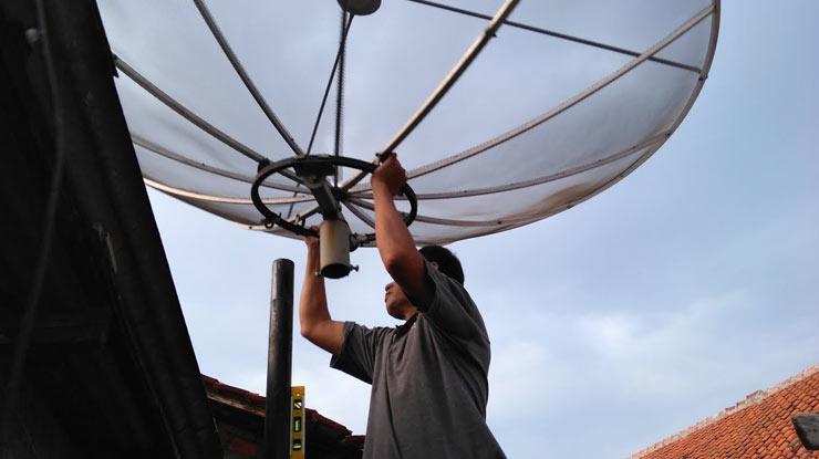Mengatasi Kualitas Sinyal Parabola 0