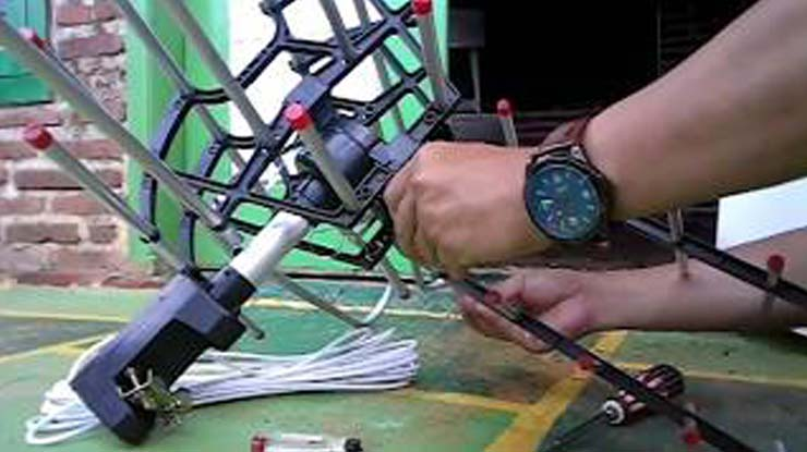 Memasang Antena