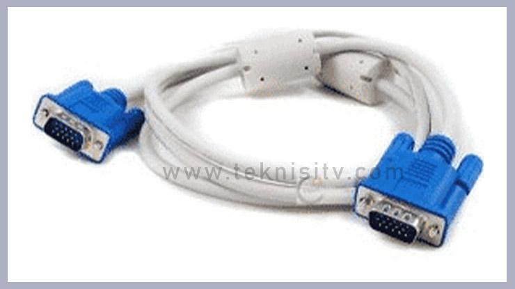 Menggunakan Kabel VGA