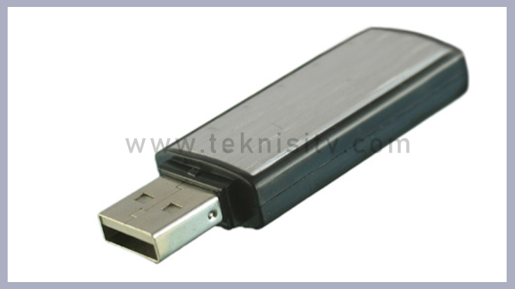 Menggunakan USB Flashdisk